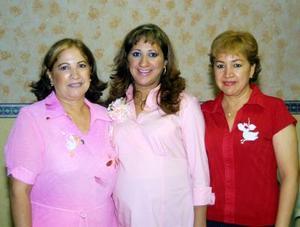 <u> 24 de septiembre </u> <p> Perla Olivia Rodríguez de Quiroga en la fiesta de regalos que le preparó su mamá Olivia Vargas y su tía Irma Vargas.