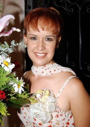 Liliana Isela Guerra en el convivio pre nupcial que le ofreció Blanca Isela Esquivel.