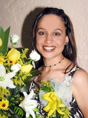 Mónica Ivette Salazar Olivares se casará con el señor Luis Alberto Morón el próximo 19 de diciembre y por ello le ofrecieron un festejo pre nupcial.