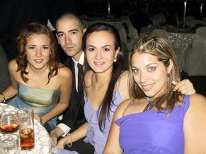 Arlette Maycotte, Adrián Aguilera, Érika Wolff y Belinda Nahle.