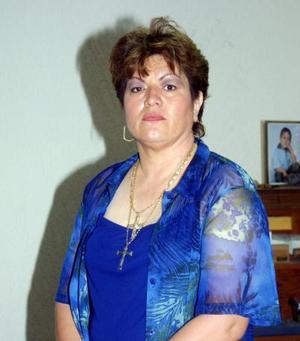 Con un convivio familiar celebró su onomástico la señora Celia Hoyos de Orteag en la que estuvo acompañada de sus hijos Jorge y Carlos Ortega