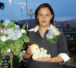 Con una fiesta de canastilla festejaron a Claudia Eddy de Hernández
