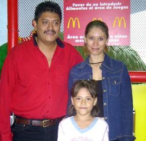 Issa Fernanda cumplió ocho años de edad y fue festejada por sus padres Jesús Castañeda y Norma Mireya de Castañeda.