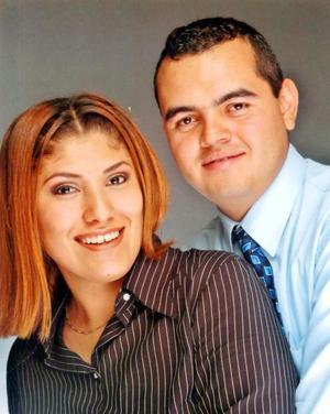 Alma Lares Ortiz y Fabián Echávarri Marentis recibieron la bendición nupcial recientemente.