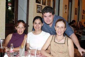 Cristina García, Rocío Reyes, Olga García y Javier Bernal.