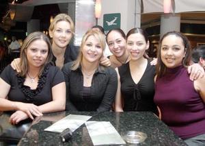 Elena Faudoa, Paola Luna, Verónica Martínez, Lorena Samia, Eva Magallanes y Ali Villarreal.