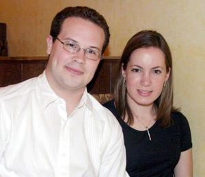 Rodrigo Pérez y Claudia Valdés.