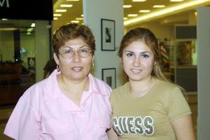 Capitzi y María del Refugio Celis de Peña.