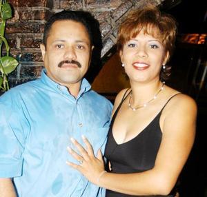 Jaime Falcón Vázquez y Claudia  López de Falcón en pasado convivio social