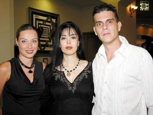 Marcia Lozano, Lorena Rodríguez y Ricardo Alanís.