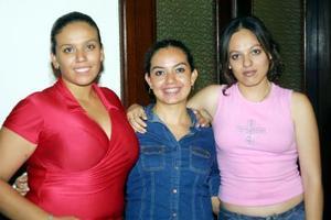 Sandra Silvia, Mónica Aguilera y Geovana Ponce