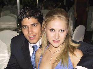 <u> 28 de septiembre </u> <p> Alan Garza y Mónica de Garza.