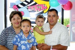 María Fernanda fue festejada con una divertida fiesta ofrecida por sus padres, Jesús Martell Morales y Griselda Salazar quienes la acompañan aligual que su hermana.
