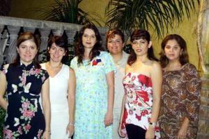 Martha de Pérez Merodio en la fiesta de canastilla organizada por Zoila, Miriam, Mónica, Mirna, Mague y Sandra en días pasados
