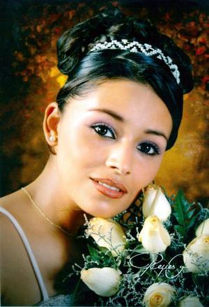 Srita. Edith Priscila Limones Flores hija del Sr. Roberto Limones Ávalos y de la Sra. María Concepción Flores López cumpló XV años.