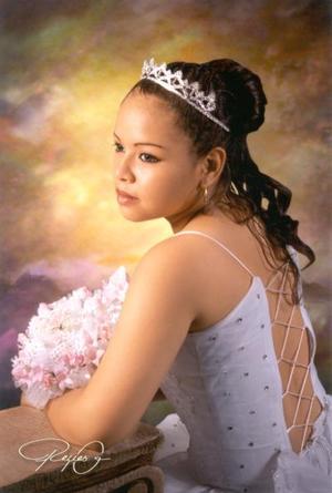 Srita. Blanca Mariana Guajardo Flores cumplió XV años, es hija del Sr. Federico Guajardo Chavarría y de la Sra. Silvia Flores Murillo.