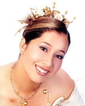 Srita. Margarita Martínez Moreno celebró sus quince años de vida con una misa de acción de gracias en la iglesia El pueblito, el sábado ocho de noviembre de 2003.