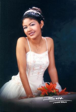 Srita  Laura Judith Medrano Tapia celebró su décimo quinto aniversario de vida con una misa de acción de gracias en la iglesia de San Judas Tadeo, el sábado 15 de noviembre de 2003.