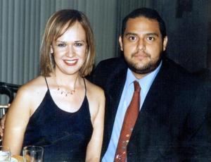 <u>03 octubre 2003</u> <p> Liliana Isela Guerra Esquivel y Hugo Evoc Hernández Hernández.