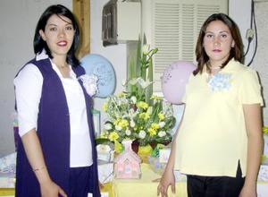 <u>01 octubre </u><p> Las futuras mamás, Argentina Trujillo de Reyes y Marilú de García en la fiesta de canastilla que les ofreció recientemente Patricia Reyes y familia