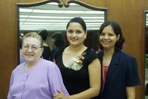<u>01 octubre </u> <p>   Silvia Patricia Carlos Zúñiga en la despedida de soltera que le ofrecieron Hilda de la Fuente de Pérez y Ángela Zúñiga Martínez.