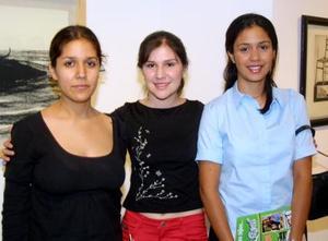 Brenda Azucena Muñoz, Edna E. Mendoza y Virginia Castro González