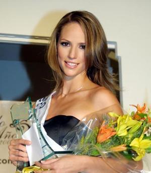 Carla Miranda Prado resultó electa la Modelo del Año 2003 Cimaco en Línea