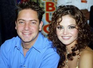 El actor y cantante Jan y nuestra Belleza México 2003 Marisol González asistieron a un certamen de belleza organizado por Cimaco recientemente.