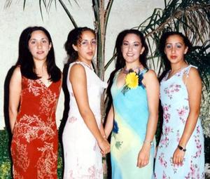 <u>05 octubre</u> <p> Señorita Verónica Marroquín García acompañada por sus hermanas Kynthia y Wendy en su segunda despedida de soltera.