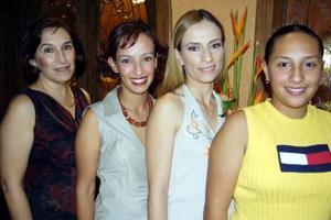 La festejada Olga Elisa García con las anfitrionas del festejo de despedida, Olga Garza de García, su mamá y  sus hermanas Cristina y Paulina.