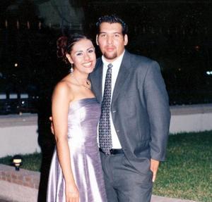 Lore Torres y Hugo Martínez.