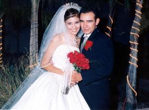 Los novios Daniel Rauda Aranda y Laura Eunice Torres Olivares el día de su enlace nupcial.
