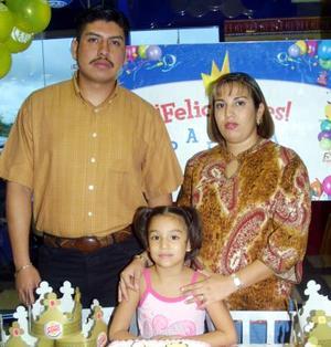 Paloma Yamile Castellanos Chiong festejó su cumpleaños en compañía de sus padres José Octavio Castellanos y Yamile de Castellanos