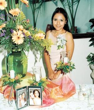 Norma Rosario Delgado Lozano contrajo matrimonio con el señor José Antonio Salas Azpiazu y por ello la festejaron con una despedida de soltera.