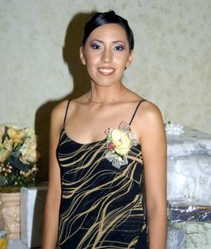<u>06 octubre </u> <p>    Yasmín Flores Rodríguez fue festejada con una fiesta de despedida por su  enlace con Juan Alberto Sánchez realizado el 27 de septiembre de 2003