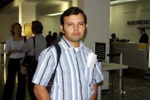 Para tratar asuntos de negocios en la ciudad de Hermosillo Sonora viajó el señor Héctor Mendivill.