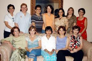<u>05 octubre </u><p> Ex alumnas del colegio La Paz en su reunión mensual celebrada recientemente.