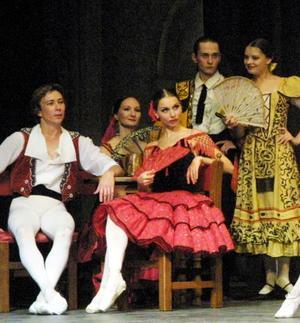 El clásico de la literatura española fue narrado en tres actos a través de las danzas de los solistas rusos, acompañados del Corp de Ballet del Teatro Estatal de Ópera de la República de Mari, en el Teatro de Gómez Palacio Alberto M. Alvarado.