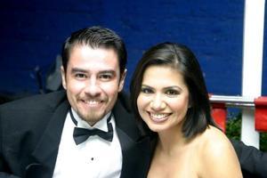Antonio Cano y Marisol Nava de  Cano.