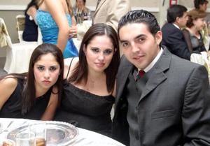 Laura Jaik, Sofía Jaik y Mario Ramos.