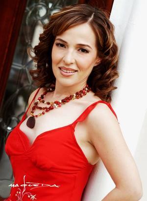 Marisol Taboada contraerá matrimonio con Gustavo Adolfo Domínguez Veytia por tal motivo le ofrecieron una despedida de soltera.
