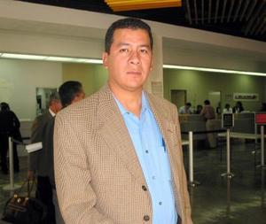 <u>10 octubre </u><p> Para tratar asuntos de trabajo, José Antonio Soriano viajó a la Ciudad de México.