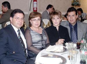 <u>11 octubre 2003</u> <p> Alberto Daher, Arcelia G. de Daher, Jorge Eduardo Abraham y Margarita García de Abraham captados recientemente.