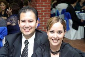 Juan José Martínez y Lorena T. de Martínez.
