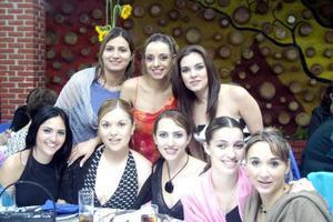 Marcela Foglio, Nayeli Félix, Helwe Dabdou, Lupita Arzoz, Natalia Hinojosa, Cecilia Betancourt, Ely Agüero y Marthy Dávila en pasado festejo social.