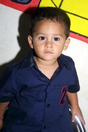 El pequeño Ricardo Fernández Alanís fue festejado con motivo de su segundo cumpleñaos por sus papás, Ricardo Fernández y Gabriela Alanís.