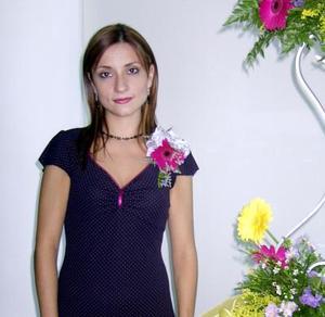 Señorita Mónica Pereyra López en su despedida de soltera; las anfitrionas fueron las señoras Martha López, Miriam, Martha, Cecilia y Laura Pereyra.