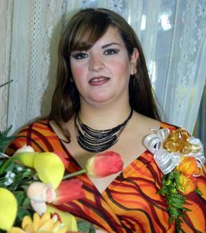 Karla Paola Orona Rodríguez en la despedida de soltera que le ofrecieron recientemente.