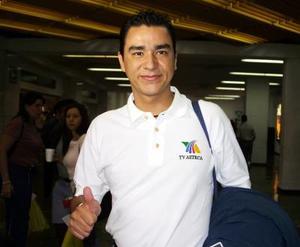 <u>13 octubre </u><p>  Al distrito Federal regresó Jorge Nieto luego de tratar asuntos de trabajo.