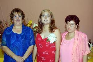 Claudia Gabriela Méndez Franco en su primera despedida de soltera organizada por Alicia Silva y María de Jesús Franco de Méndez.